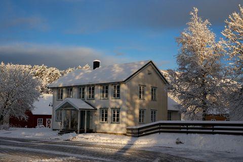 Kirkekontoret stenger kl. 12.00 tirsdag 18.12, grunnet julelunsj.